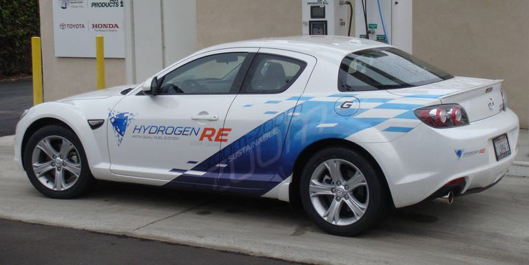 Hydrogen rotary-powered RX-8.