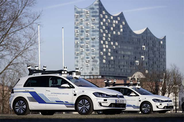 VW-e-golf-autonomous-drive