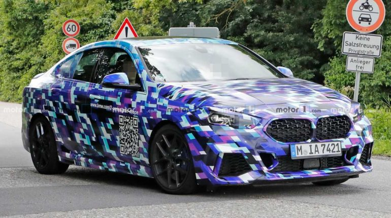 BMW 2 Series Gran camouflage